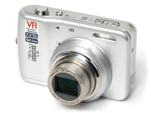 Nikon L5